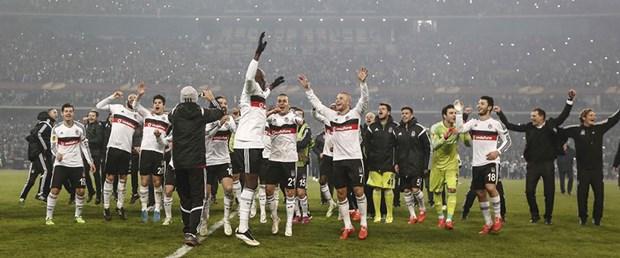 Beşiktaş Antalyaspor'u rahat geçti