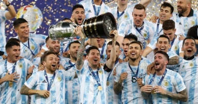 Copa America'da şampiyon Brezilya'yı 1-0 yenen Arjantin oldu! Lionel Messi ilk kez kupa aldı