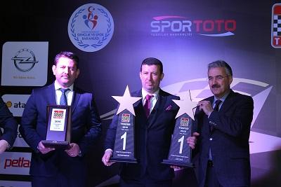 Şampiyonlar Ödüllendi