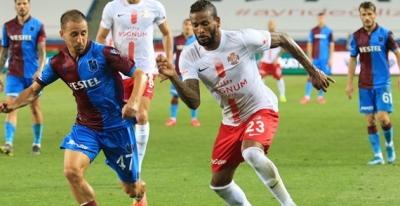 Trabzonspor şampiyonluk yolunda darbe aldı.